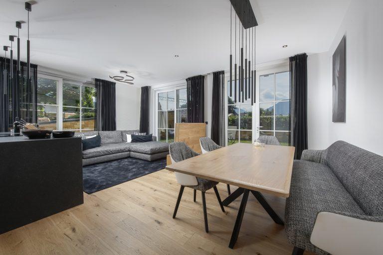 luxury apartments-r6-tegernsee-apartment-4-living room