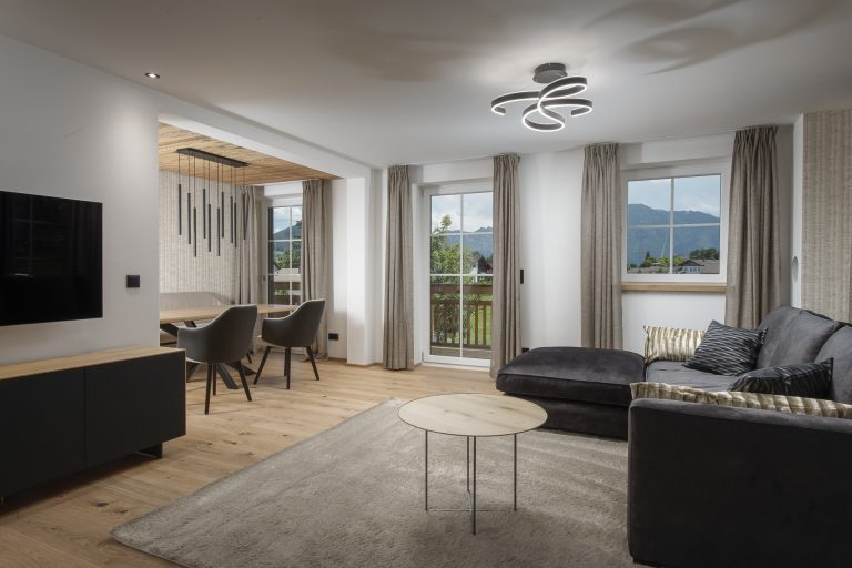 luxury-apartments-r6-tegernsee-apartment-5-living-room-1