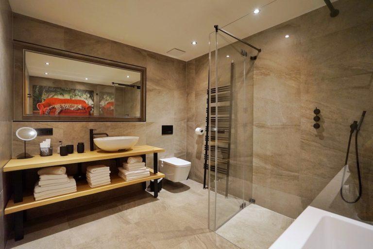 luxury-apartments-r6-tegernsee-bathroom