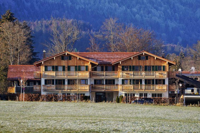 luxury-apartments-r6-tegernsee-ferienwohnung-bad-wiessee-bayern-haus