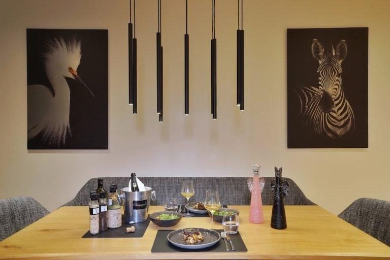 luxury-apartments-r6-tegernsee-gedeckter-tisch