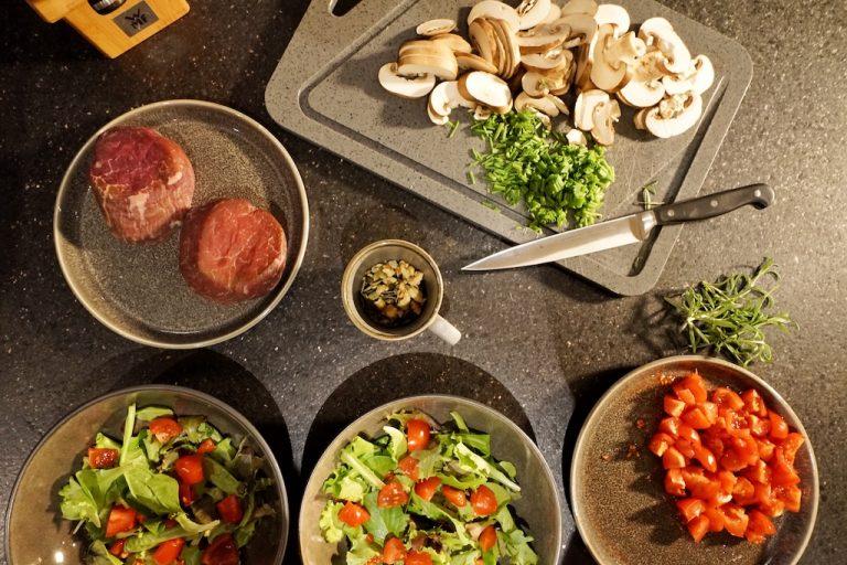 luxury-apartments-r6-tegernsee-kueche-essen-zubereitung
